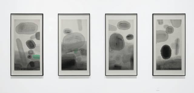 粱铨 《流星雨之一、二、三、四》 132×66.5cm×4 色、墨宣纸拼贴 1996