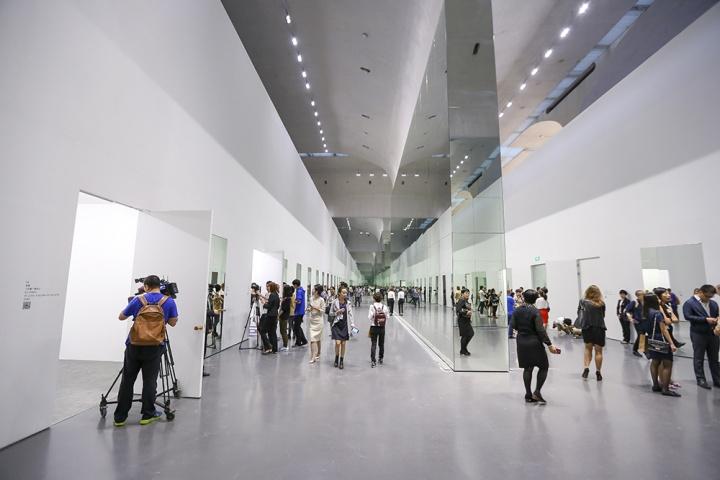 王薇  先让观众愿意走进当代艺术的展览