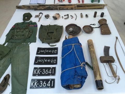 缅军的个人物品、车牌、战争遗留的东西都是艺术家通过各种渠道带往国内