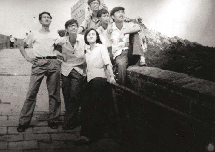 1979 左起:毛旭辉、武俊、贺立德、张晓刚、叶永青、刘涌 (北京长城)