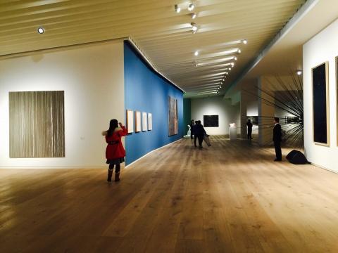 展厅一角,不同媒介的作品带给观众丰富的视觉感受
