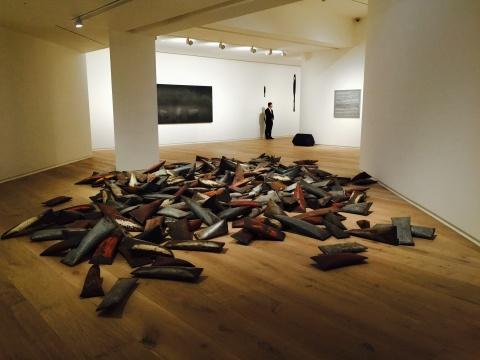 胡庆雁2014年作品《人民》,330件,旧钢管、空气