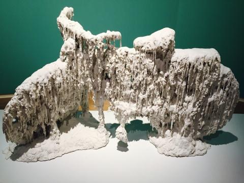 曹晖2015年综合材料作品《黏糊糊的概念(之一)》