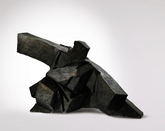 朱铭 《太极系列 :单鞭下势》122.5×189×90cm 铜雕 版数 :3/8 1994  香港苏富比