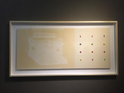 李美娟 《文字记述》 202×100×6cm 时间、光、打字、立体打印胶谐星文字粒、纸 2015