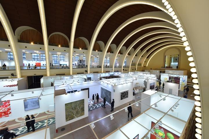 近百平米的展位 给予了画廊足够的空间来展示带来的艺术家作品