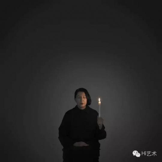 玛丽娜·阿布拉莫维奇 《Artist Portrait with a Candle (A)》160x 160 cm 艺术着色打印 2012