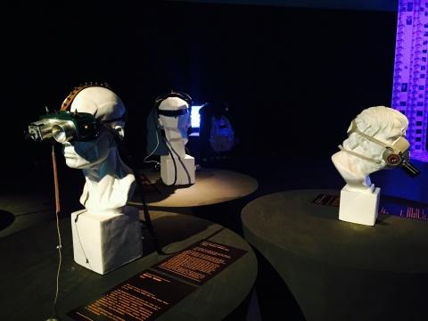 吴珏辉作品,美术史中的经典元素造型与现代科技结合