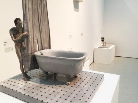 彭汉钦  《空房间2》 52×36×42cm 铸铜着色 2013