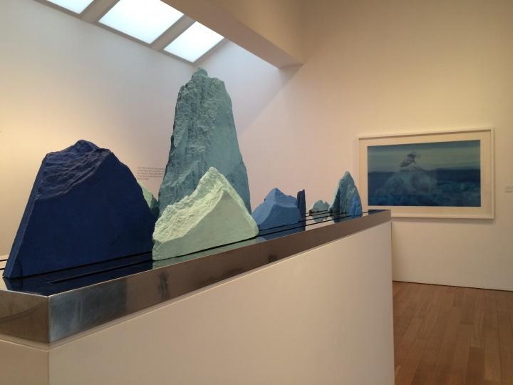 """9月18日,徐累在苏州博物馆开启了他与音乐、建筑的一场琴瑟和鸣——""""赋格:徐累个展"""",此为展览现场"""