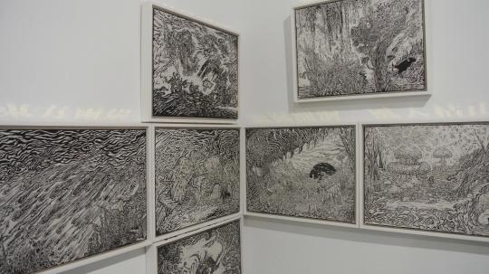 黄洋 《木刻展演-七则》 130×130×160cm 纸本雕版木刻 2015 推荐人:苏新平