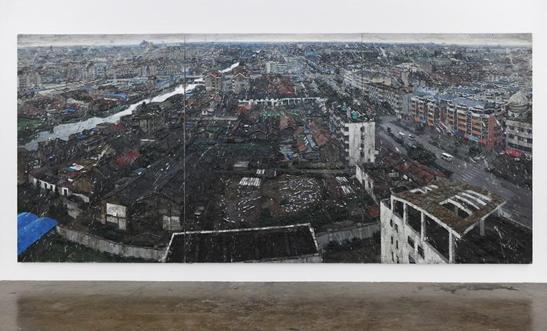 周栋《小城》,将对于城市的叙述置于更为广阔的视野之中