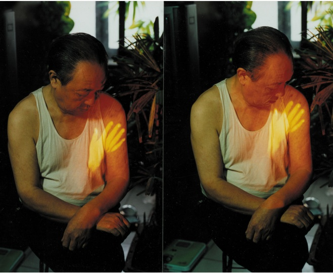 """1997年,宋冬第一次通过影像""""抚摸父亲"""""""