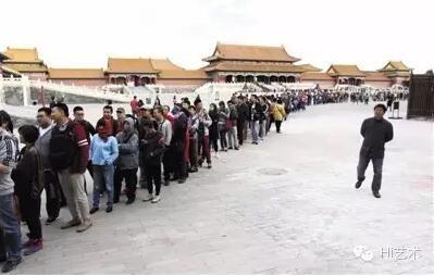 故宫《清明上河图》展览最后一天排队场景