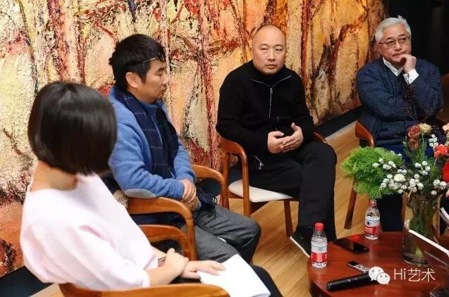 三位艺术家于Hi艺术中心现场展开讨论