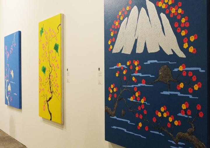 华府艺术此次尝试呈现艺术家董重色彩艳丽的作品