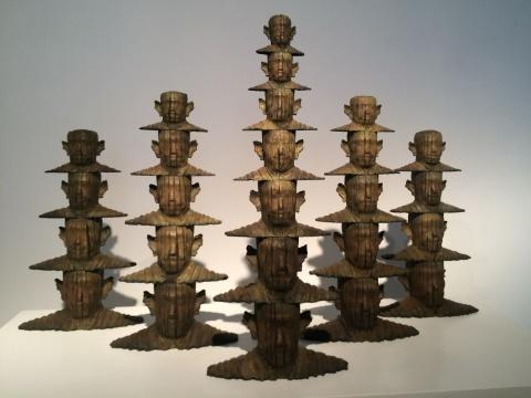 鸿韦 《沉思的重量#8》180×60×120cm 青铜 2012