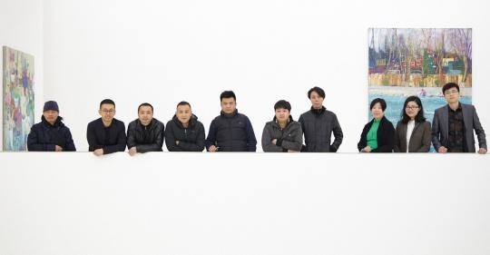 艺术家及画廊工作人员合影