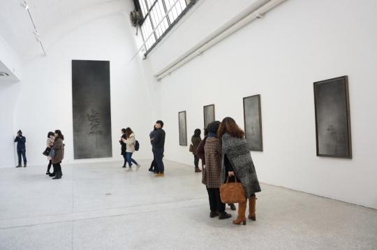 除了小尺幅作品,朱建忠也开始尝试大尺幅创作。
