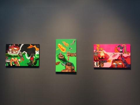 Yuree Kensaku 《航向另一个世界》65X100cm 综合媒材于铝板 2007、《毛毛男也行》95X60cm 喷漆压克力高光漆 2004、《 小黑兔》65X100cm 综合媒材于铝板 2005