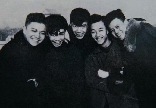 蔡亮和他的朋友,摄于1953