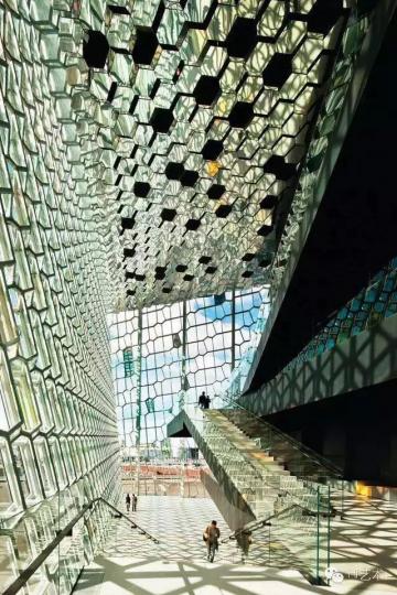 埃利亚松与Henning Larsen Architects建筑事务所共同合作完成的作品
