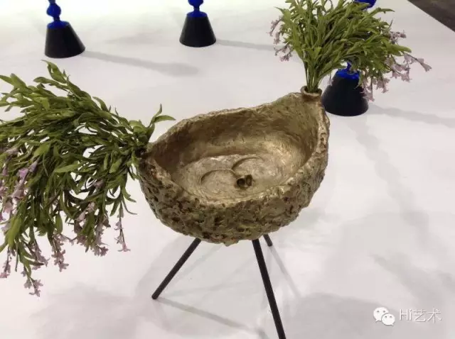 尉洪磊 《花耳》雕塑 铁、原子灰 、漆 2016 五分之二版 售出价 70000rmb