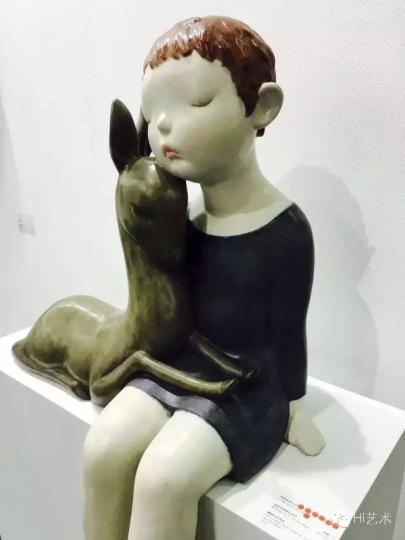 李伟&刘知音雕塑作品《夜晚是静静地等待》2015
