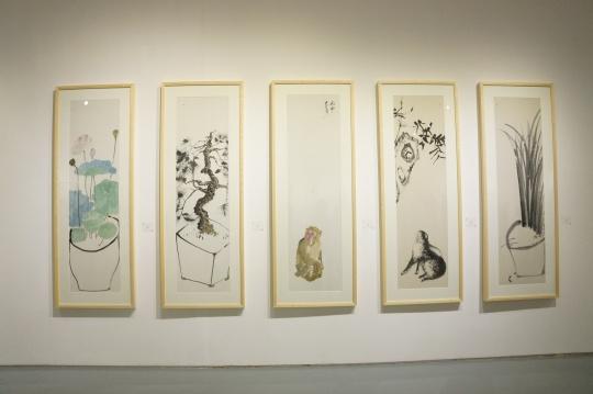 曹远平作品 《净荷图之二》、《盆松》、《猴》、《兔》、《草虫》 182×48cm(单幅)纸本水墨