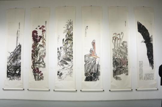 许敦平作品 《一树独先天下先》、《秋光》、《白露秋水》、《丽泽》、《中渚》、《逍遥云汉》248×62cm(单幅) 纸本设色 2015