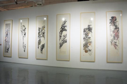 刘海勇作品 《二十四诗品》系列 241×53cm(单幅) 纸本水墨 2012