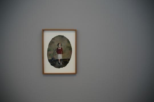 张晓刚 《口罩》 51×37.5cm 2015年