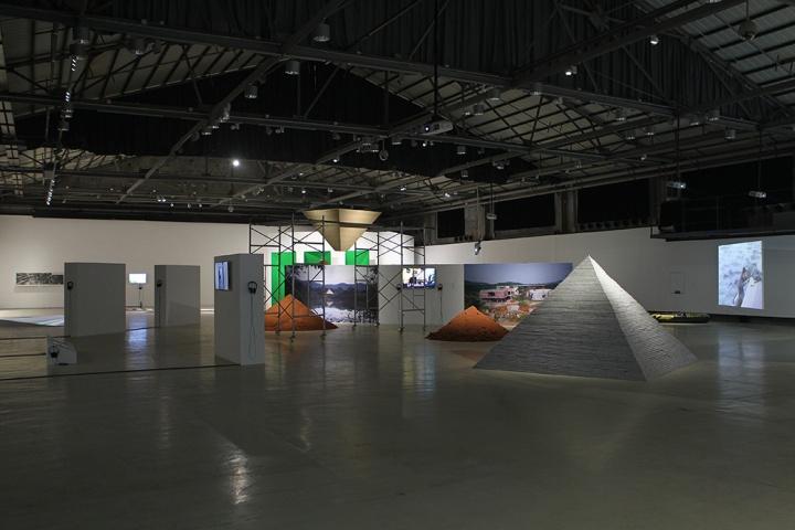 """3月26日,OCAT深圳馆举办大型群展""""事件的地貌""""正式开幕"""
