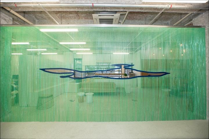 Daniel Steegmann Mangrane 《Untitled Curtain2》 600×280cm 综合材料 2016 有空间现场