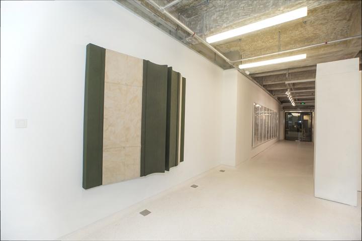 刘韡《丛林No.25》180× 200 × 35 cm 综合材料 2014 有空间现场