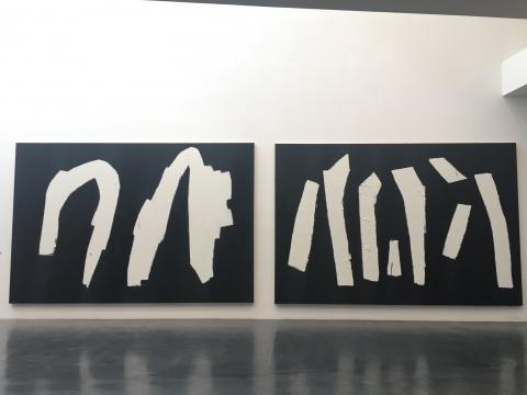 马可鲁作品。左:《无题2015-1988之一》、《无题2015-1988之二》