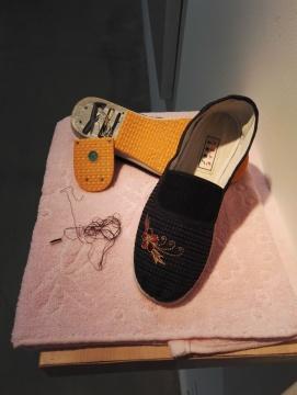 段建宇《一双绣花鞋No.2》