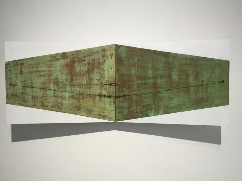 《错位-透视》60×60×100cm 布面综合材料 2015