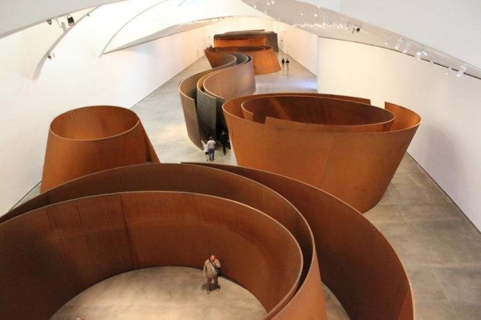 美国著名雕塑艺术家理查德·塞拉2005年在毕尔巴鄂古根海姆博物馆的个展。