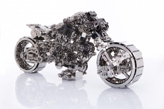 《机器路霸-脉冲》 130×60×70cm 不锈钢 Stainless steel 2015