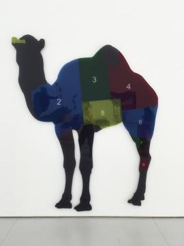 《大宗帝国—澳洲骆驼》 232.5×192×3cm 亚克力板、广告钉 edition of 3 2016
