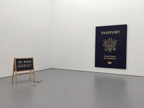 左:《查理一世》 117×92×40cm  黑板架、EVA磁贴  edition of 3 2016  右:《信心国民》 300×211×5.2cm 木框、亚麻布、丙烯 edition of 3  2016