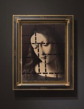 推荐作品一:王广义 《后古典系列——冥想的圣母》——王广义80年代的典型作品,近30年首次曝光