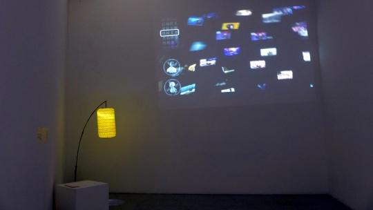 """""""项目空间""""过往项目""""边缘体""""展览现场,Hannah O'flynn 《翻译的迷失》与钱泓霖《尺度》。"""