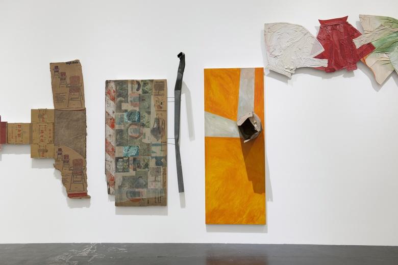 """尤伦斯当代艺术中心展出的""""劳森伯格在中国"""",展出美国艺术大师罗伯特·劳森伯格用17年完成的巨作《四分之一英里画作》,并且是全球范围内的首次亮相。"""