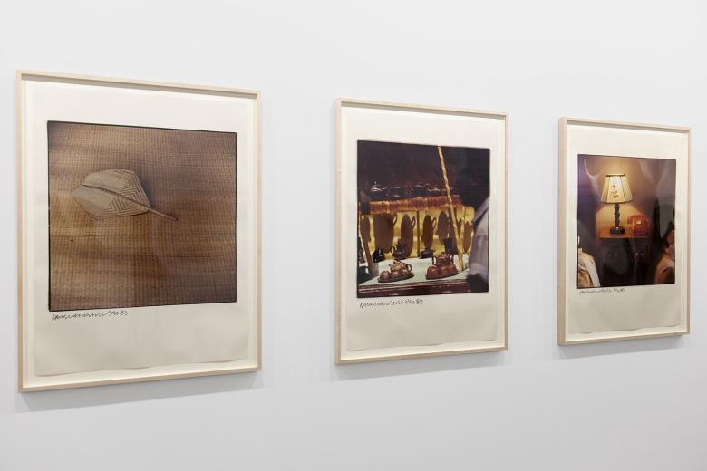 尤伦斯当代艺术中心同时展出的还有劳森伯格1982年访问中国期间拍摄于的彩色照片《〈中国夏宫〉研究》(1983年)其中不乏有趣的画面。