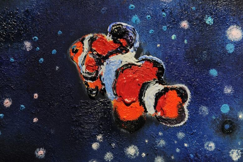 刘恩钊《星座9》,艺术家用色彩为濒临灭绝动物营造的梦幻空间。