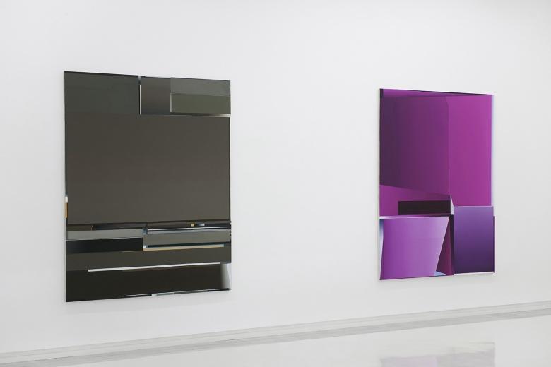"""偏锋新艺术空间德国八零后艺术家恩里科·巴赫个展""""如果·但是"""",沉稳的几何抽象绘画井然有序,又带着对视觉的挑战。"""