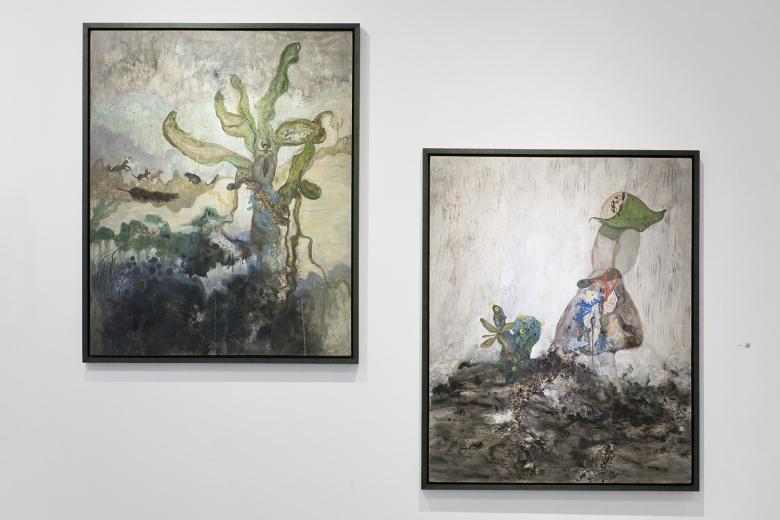 第二届素人艺术展Almost Art Project展上陈泥耳用泥土和植物完成的绘画创作。