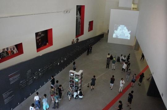 """中央美术学院美术馆""""时间测试:国际录像艺术研究观摩展""""展览现场"""
